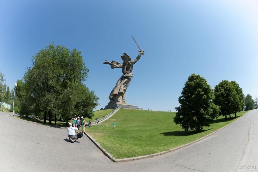 Фото №858589. Скульптурный монумент «Родина-мать зовёт»