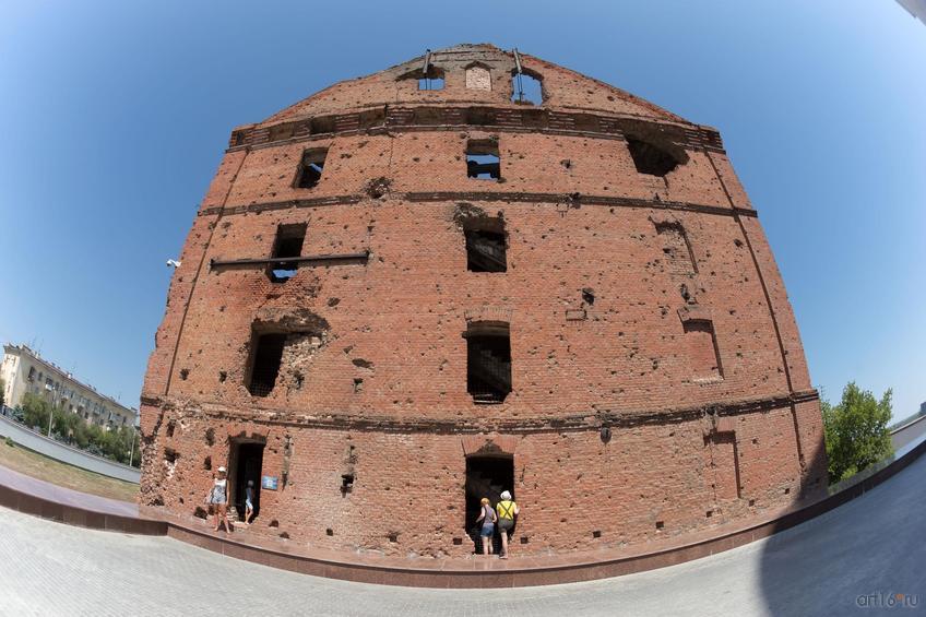 Фото №858655. Руины мельницы Гергардта (Грудинина). Музейный комплекс «Сталинградская битва» на Гвардейской площади