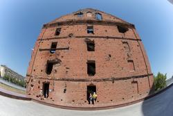 Руины мельницы Гергардта (Грудинина). Музейный комплекс «Сталинградская битва» на Гвардейской площади