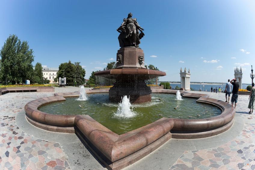 Фонтан «Искусство», Волгоград::Волгогорад. 2015