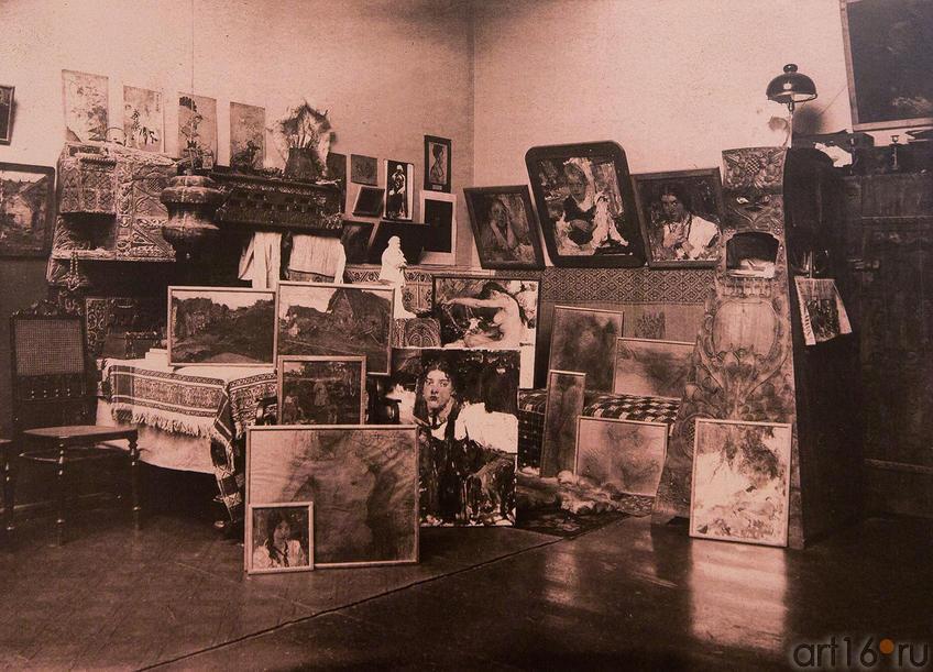 Фото №86424. Фотография нач. XX века. Фрагмент экспозиции (картины Н.И.Фешина)