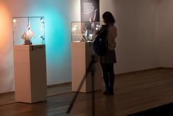 На выставке «Фарфор на пуантах»