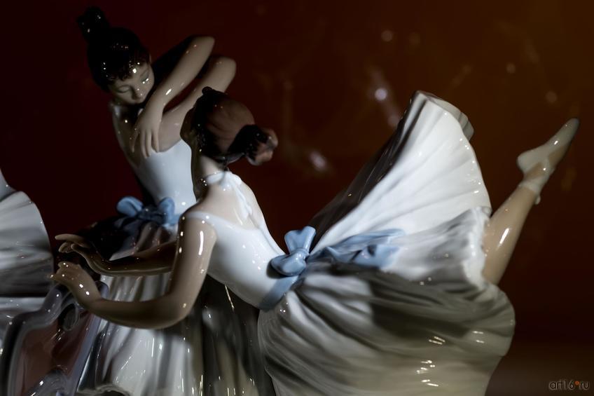 Фото №865685. Урок балета. Скульптор Хосе Луис Сантес. 2010 г. (фрагмент)