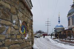 Во дворе Вселенского Храма Ильдара Ханова. Ст. Аракчино, Казань