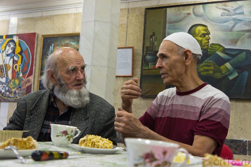 Фото №87277. Владимир Попов и Ильдар Ханов. Чаепитие. 12.11.2011