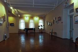 Фрагмент экспозиции выставки «Рукопожатие столиц»