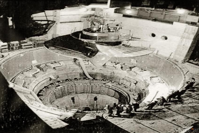 Фото №883162. Установка первого гидроагрегата. 1979