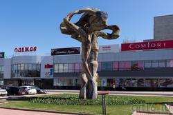 Дерево жизни (1984), скульптор Ильдар Ханов