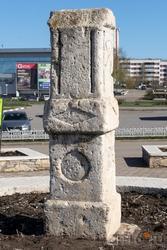 Боровецкий родник. Камень — остаток от часовни