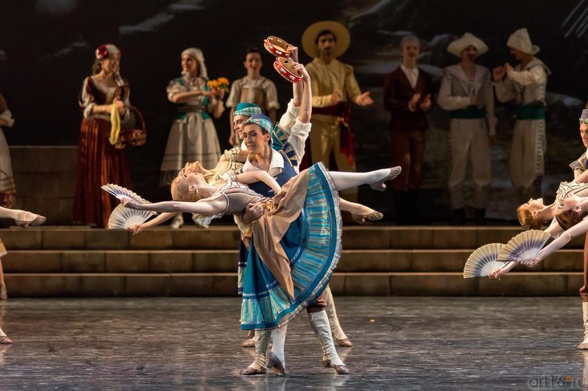 Танцы на площади::Дон Кихот