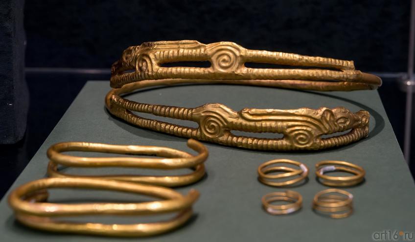 Комплект женских украшений (IV в. до н.э.)::Выставка «Кочевники Аркаимских степей»