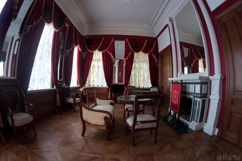 Фото №886898. Красная гостиная. Дом Банарцева
