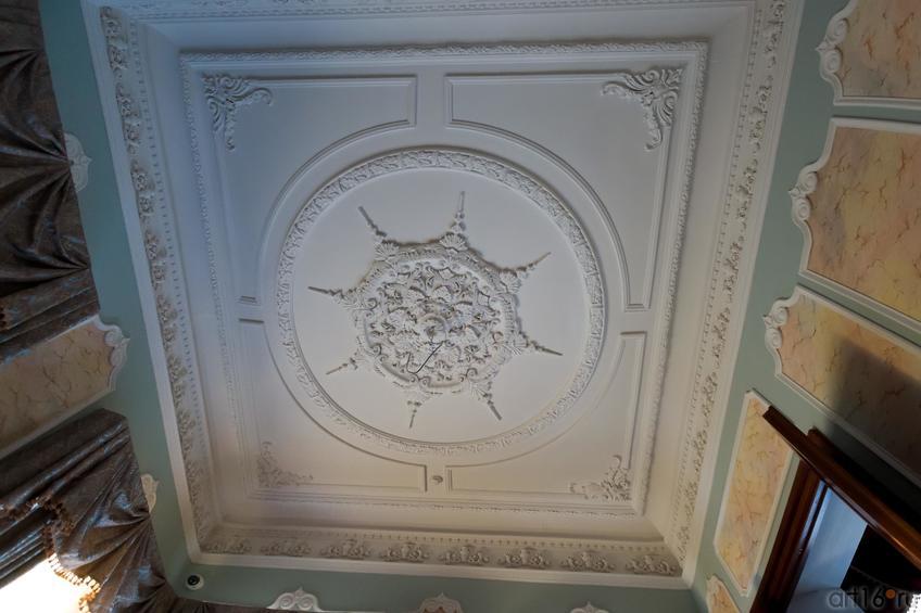 Фото №886902. Потолочная лепнина в Зеленой гостиной. Дом Банарцева