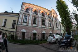 Домовая церковь Казанского Епархиального управления (вид со двора)