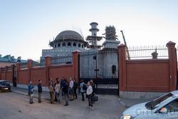 Мечеть, возводимая на ул. Федосеевской за забором.