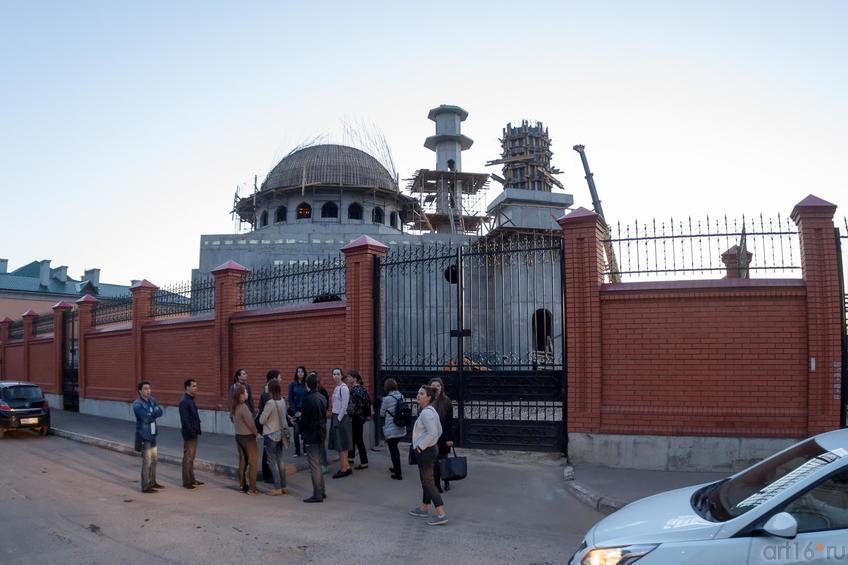 Фото №887030. Мечеть, возводимая на ул. Федосеевской за забором.