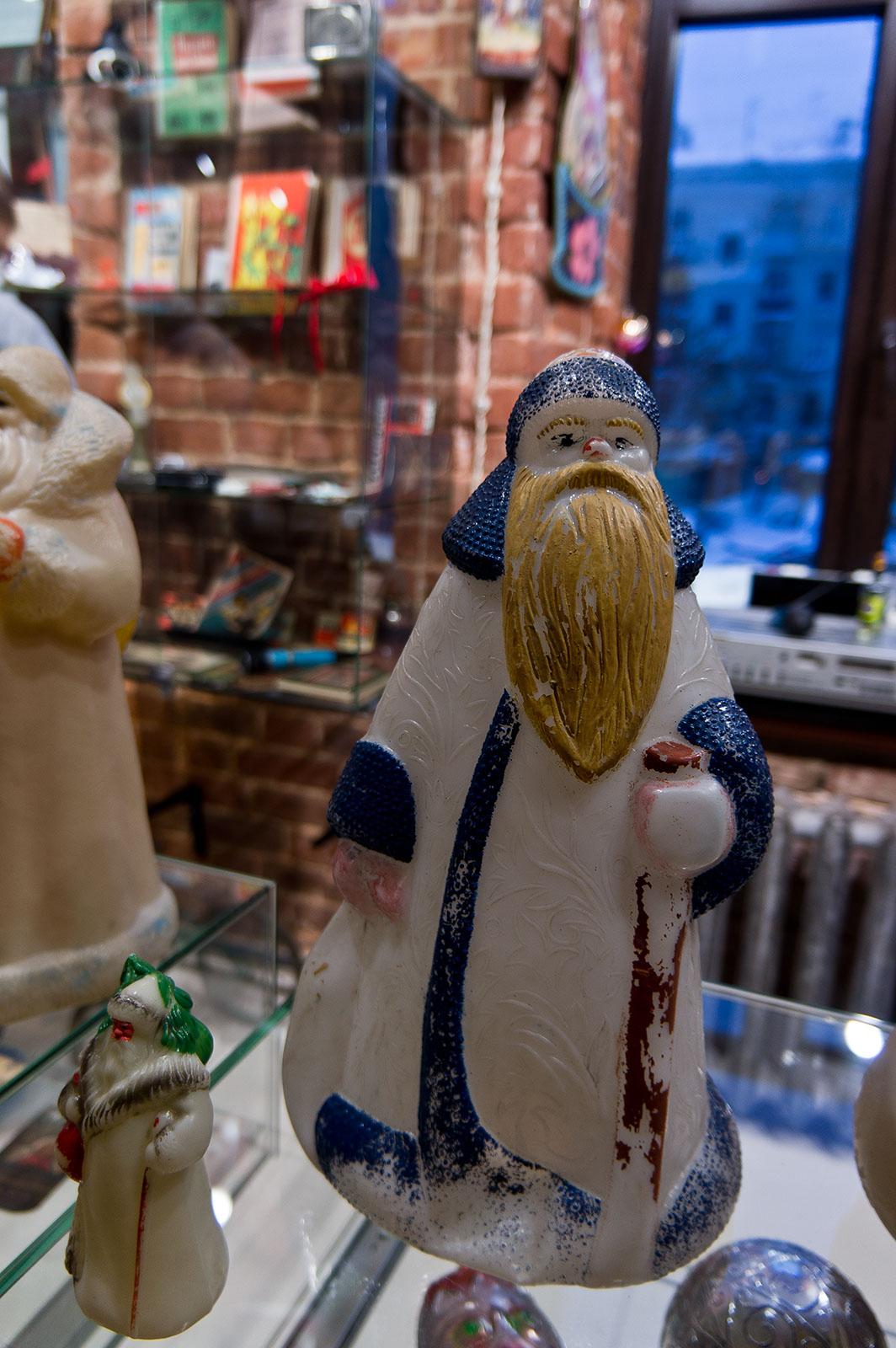 Фото №89040. Самые бюджетные пластиковые Деды Морозы