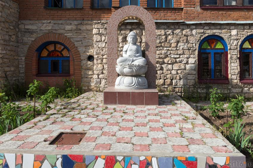 Фото №891265. Храм Всех религий Ильдара Ханова. Фрагмент композиции