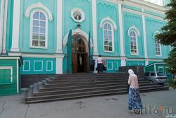 Вход в Казанский  Собор Сызрани