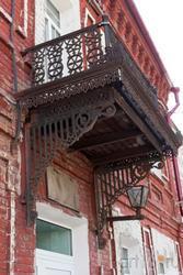Балкон на керпичном доме. Пролетарский переулок