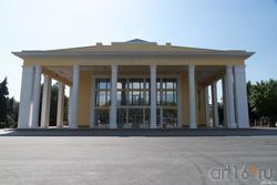 Драматический театр им. А.Н.Толстого ( ул. Советская, 90)