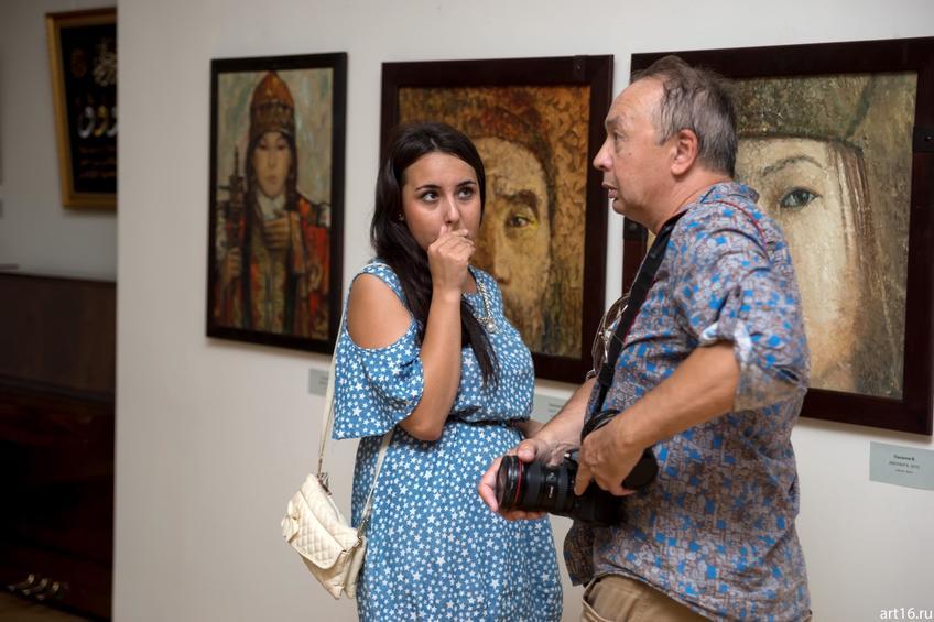 Фото №892885. На открытии выставки «Волжский Арт-экспресс». Рамиль Гали