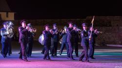 Выступает военный оркестр войсковой части 5561 внутренних войск МВД России (Казань)