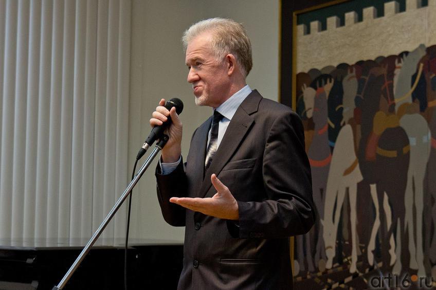 Зуфар Гимаев на открытии выставки ʺСоюзу художников Республики Татарстан - 75ʺ::Союзу художников Республики Татарстан — 75
