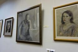 Фрагмент экспозиции ''Автопортреты''. На переднем плане  Автопортрет Васильевой Н.Г. 2001