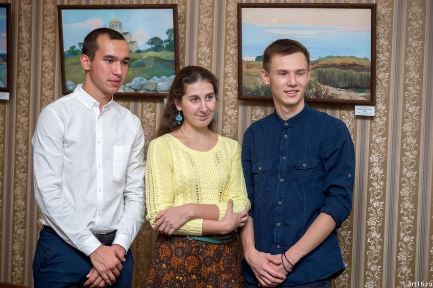 Фото №895526. Светлана Медведева (в центре)