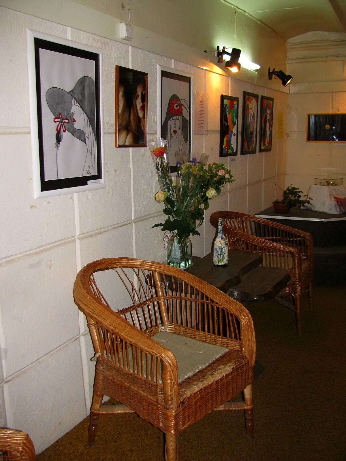 Фото №55403. Фрагмент интерьера галереи «Эбиволь»
