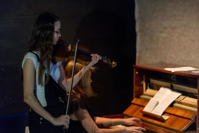 Фото №869096. Василиса Шмелёва - фортепиано, Диана Назметдинова - скрипка