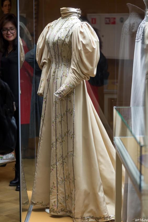 для любой дорогие платья императриц в эрмитаже фото заказ нужные вам