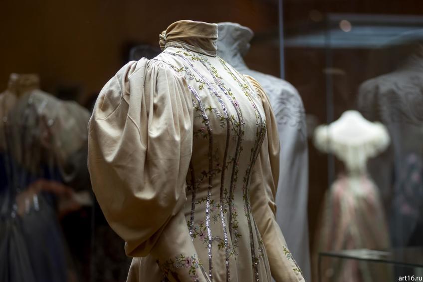 Фото №897359. Платье визитное фасона «Принцесс»