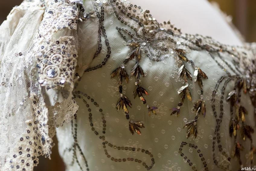 Фото №897383. Бальное платье (фрагмент)