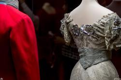 Платье бальное (фрагмент). Вид сзади
