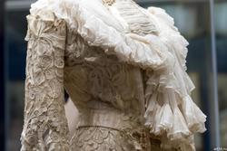 Платье послеобеденное из плетеного гипюра