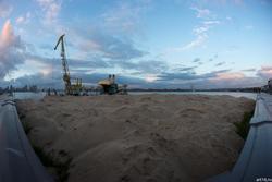 Строительный кран на набережной Казанки