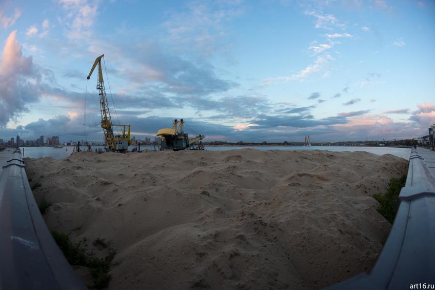 Строительный кран на набережной Казанки::Зарисовки. Природа