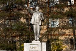 Ленин указующий путь