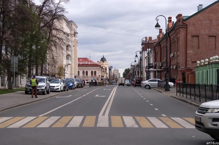 Островского, 5; 4 (здание из красного кирпича); октябрь 2016::Казань, осень, природа