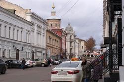 Улица Мусы Джалиля, вид на Петропавловский собор, октябрь 2016