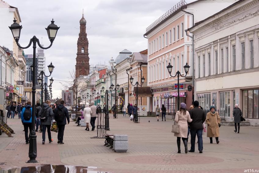 Фото №898592. Баумана, вид на быв. к/р Татарстан и колокольню Богоявленского собора