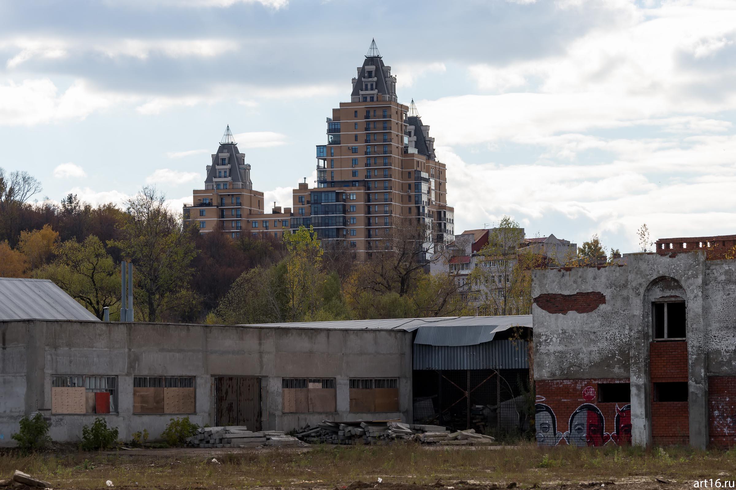 Городской пейзаж. Вахитовский р-он, октябрь 2016::Казань, осень, природа