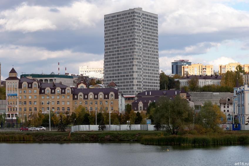 Вид с ул. Ш.Марджани через озеро Нижний Кабан::Казань, осень, природа