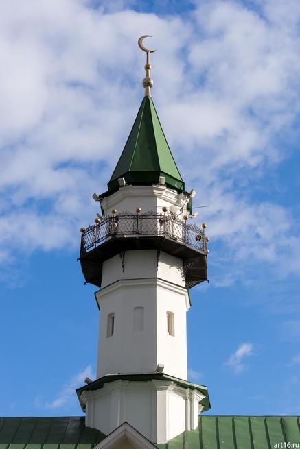 Минарет мечети Аль-Марджани::Казань, осень, природа
