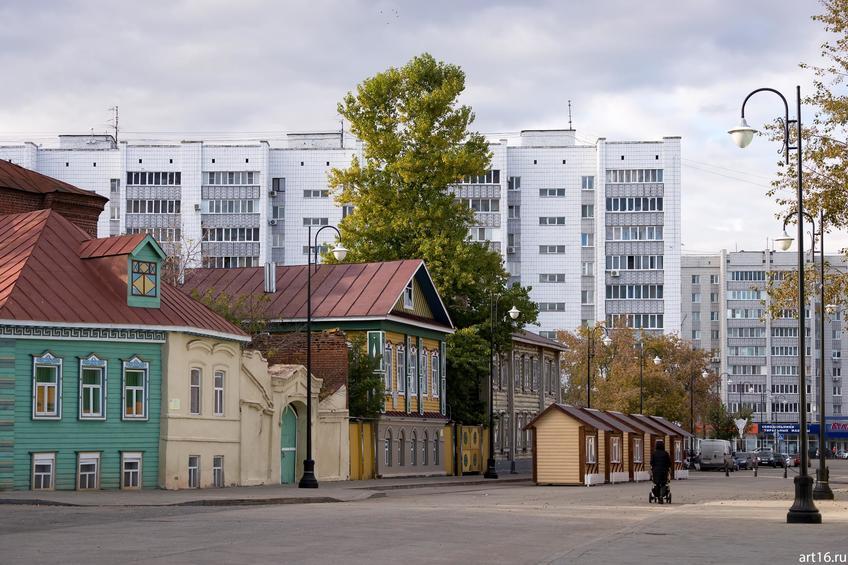 Ул. Каюма Насыри ( д. 12, 10, 8). Октябрь 2016::Казань, осень, природа