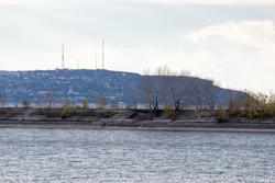 Речной порт, Казань, октябрь 2016. Вид на противоположный берег Волги (Верхний Услон, Печищи)