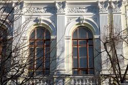 Окна Казанского ГАУ  (Государственного аграрного университета), К.Маркса, 65