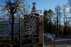 Ажурные решетки Казани. Ворота на территорию церкви Варварв Великомученицы